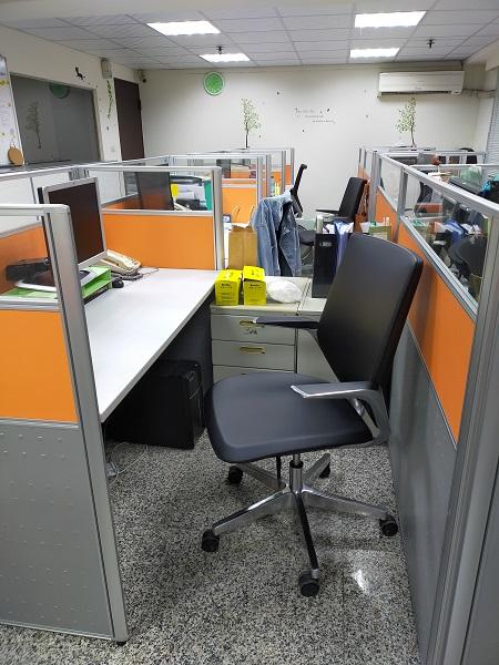 全新辦公椅讓社工人員久坐也舒適
