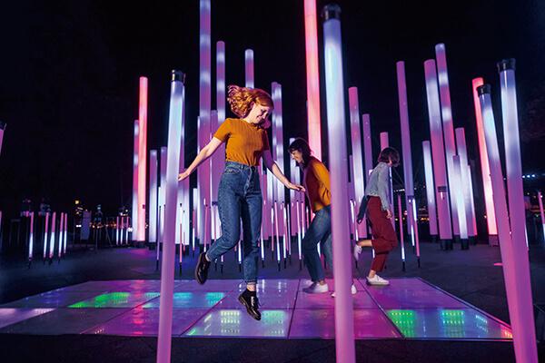 「繽紛雪梨」除了注重觀眾的參與與互動,也把活動場景拉大到整座城市的水岸港灣沿線。