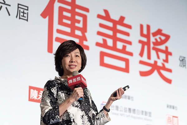 世紀奧美公關創辦人丁菱娟進行專題演講,協助社福機構了解品牌與公關的操作方法。