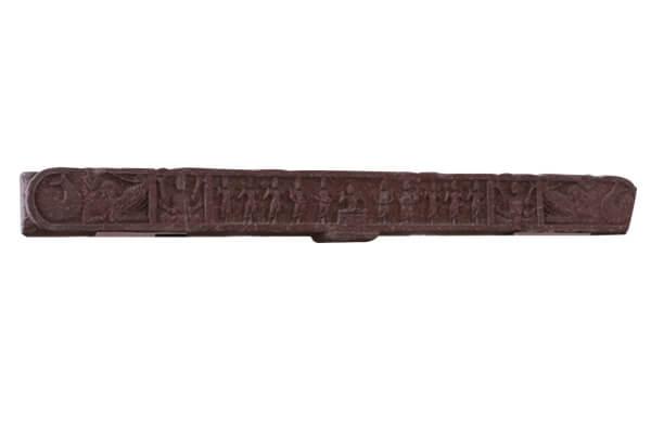 圖八:秣菟羅門欄雕刻——四大天王奉缽圖